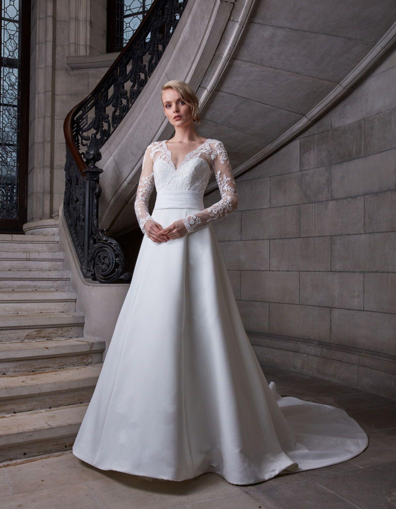 Robe de mariée dentelle manche longue - 3