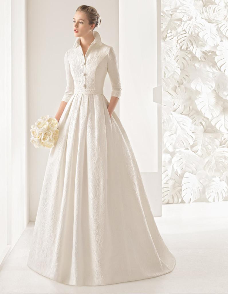 robe de mari e d 39 hiver r tro 22 robes de mari e d hiver blouissantes elle. Black Bedroom Furniture Sets. Home Design Ideas