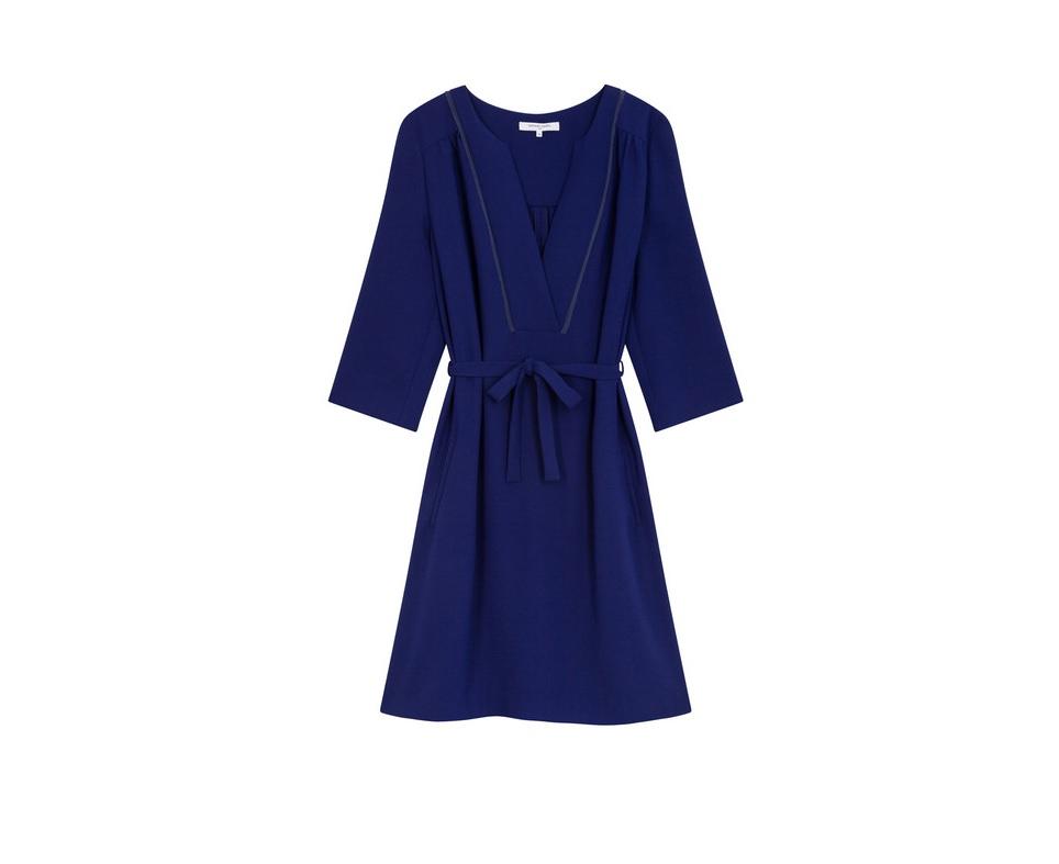 8b6ef402bff7 Robe témoin de mariage bleue marine Gerard Darel - 20 robes de témoin de  mariage qui font de l ombre à la mariée - Elle