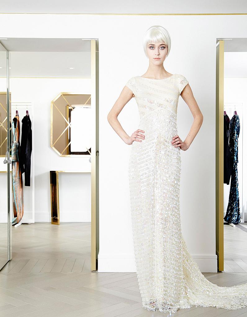 769d4f70c89 Les sequins de Talbot Runhof - Robes de mariée   30 silhouettes de défilés  pour s inspirer - Elle