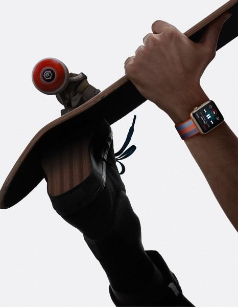 AppleWatch-Lifestyle_Spring17_Skate_Portrait-SCREEN