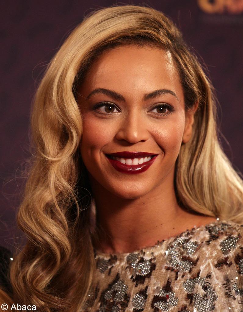 Coiffure visage ovale quelle coupe de cheveux visage ovale choisir elle - Quelle coiffure pour un visage rond ...