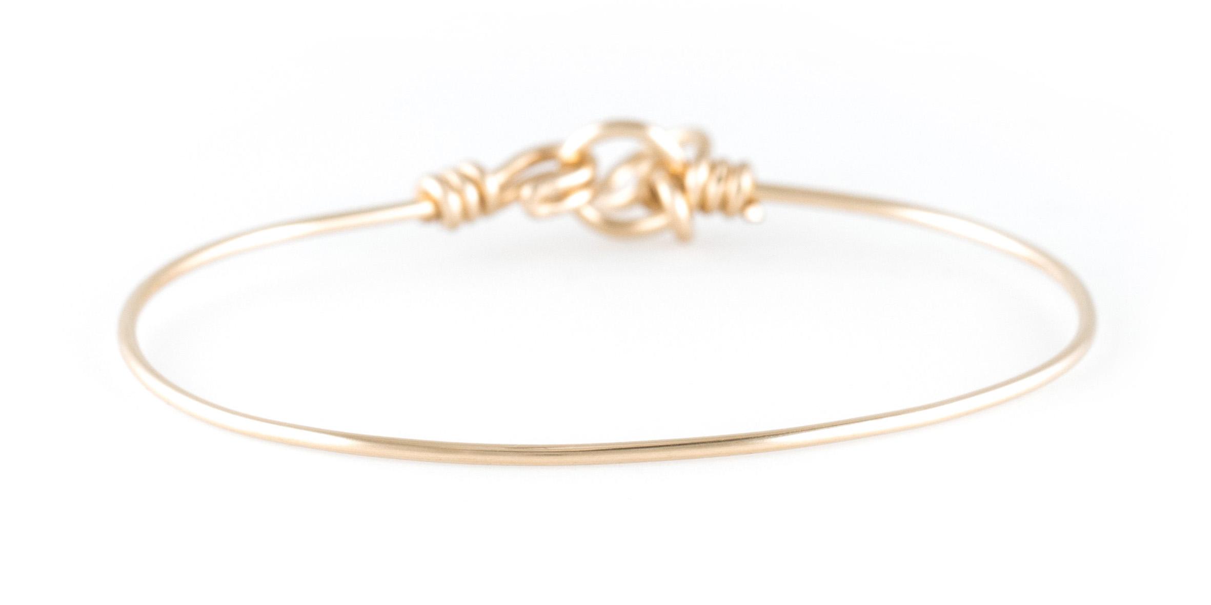 Bracelet Nude Pure en fil gold filled 14 cts jaune 110€ Atelier Paulin