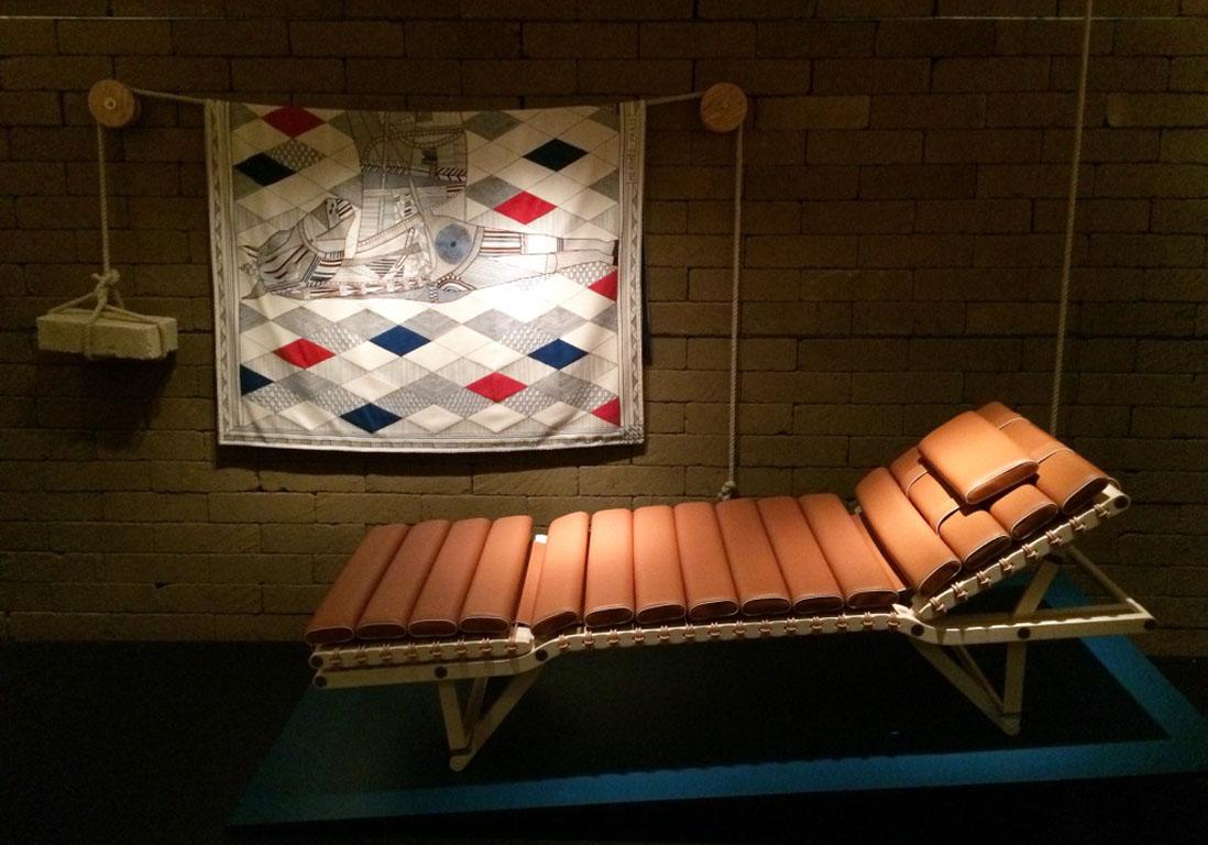 chaise-longue-cuir-hermes-maison