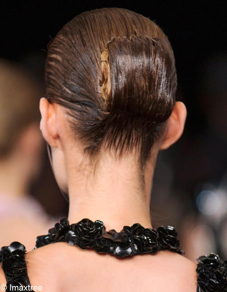 Chignon bas : 5 idées tendance pour porter le chignon bas - Elle