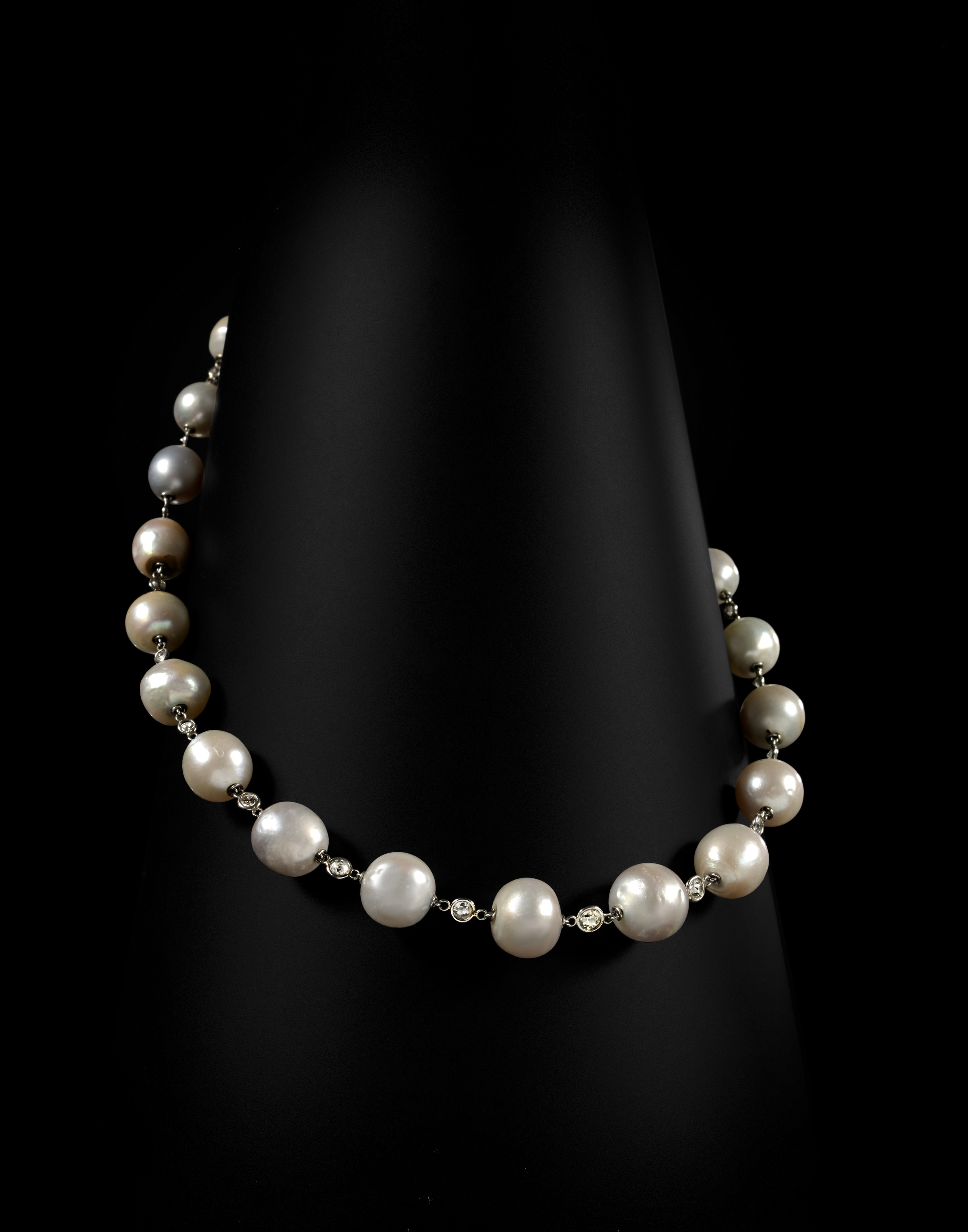 Collier de perles fines de Jeanne Lanvin Vente AGUTTES 19 octobre 2016.jpg