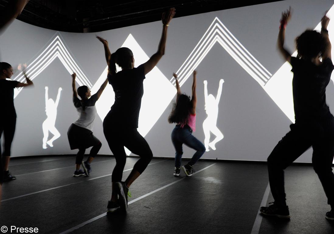 immersive fitness on a test l immersive fitness par les mills et reebok elle. Black Bedroom Furniture Sets. Home Design Ideas