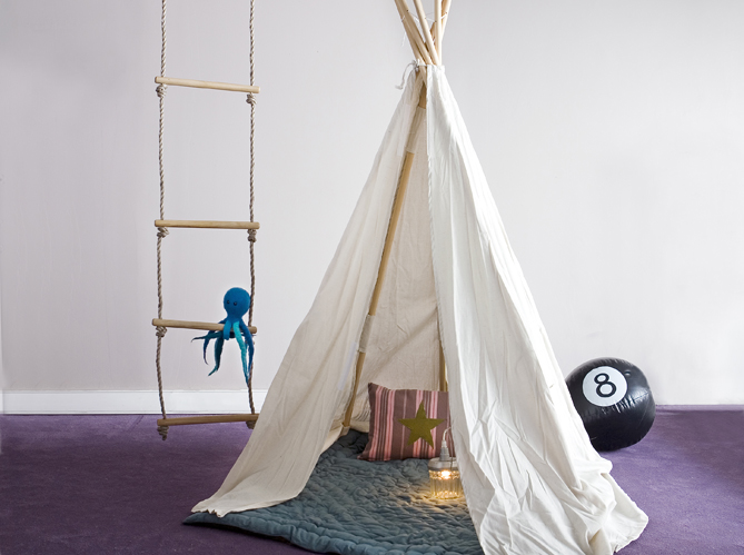 Cr er une cabane dans une chambre d 39 enfant elle d coration - Comment faire une cabane dans sa chambre ...