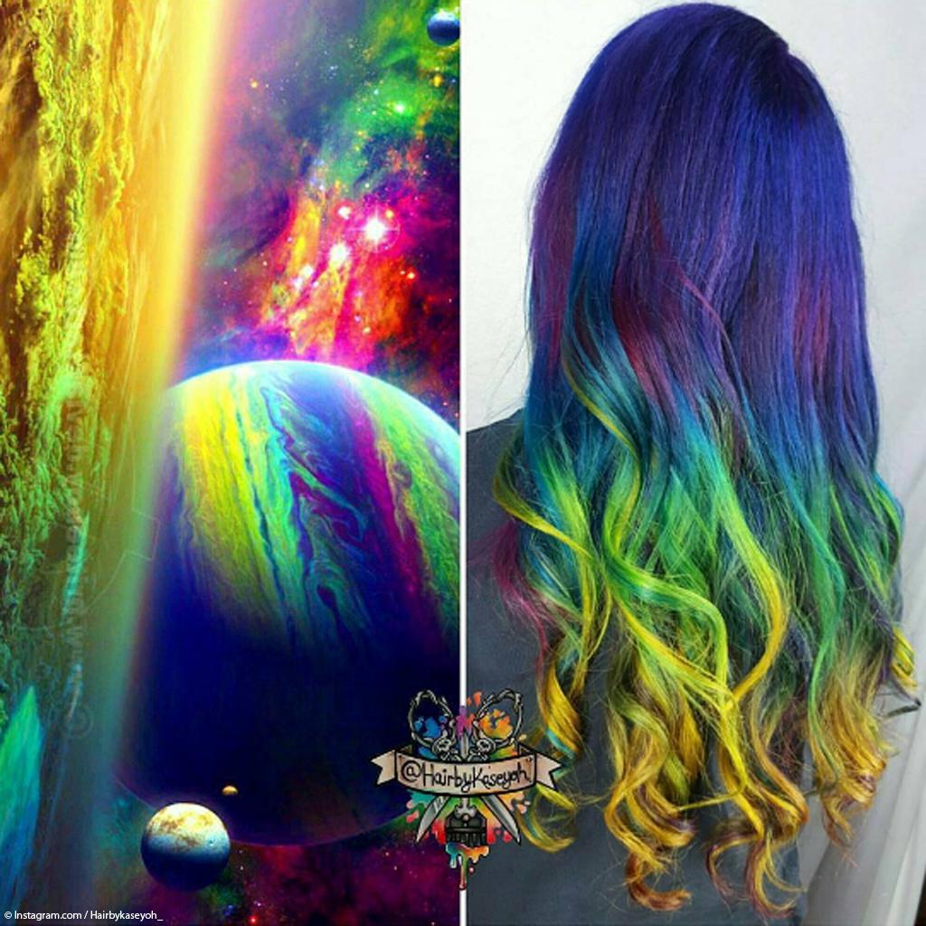 galaxy hair la coloration cheveux multicolore inspir e de l espace elle. Black Bedroom Furniture Sets. Home Design Ideas
