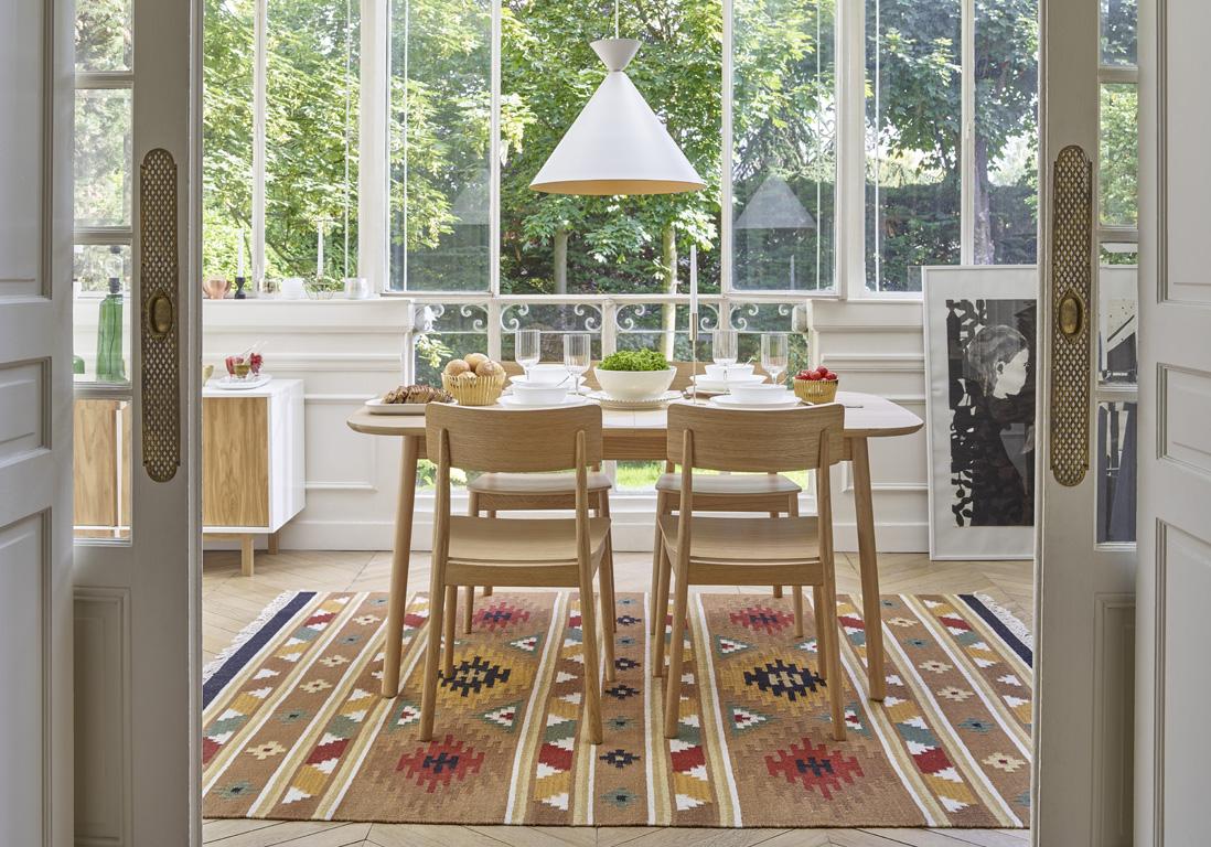 grande table à manger adaptable