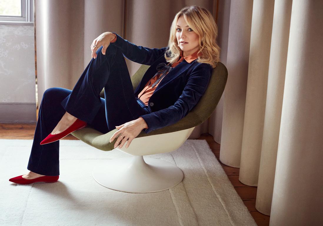 Kate Hudson wears the Alina Flat 2
