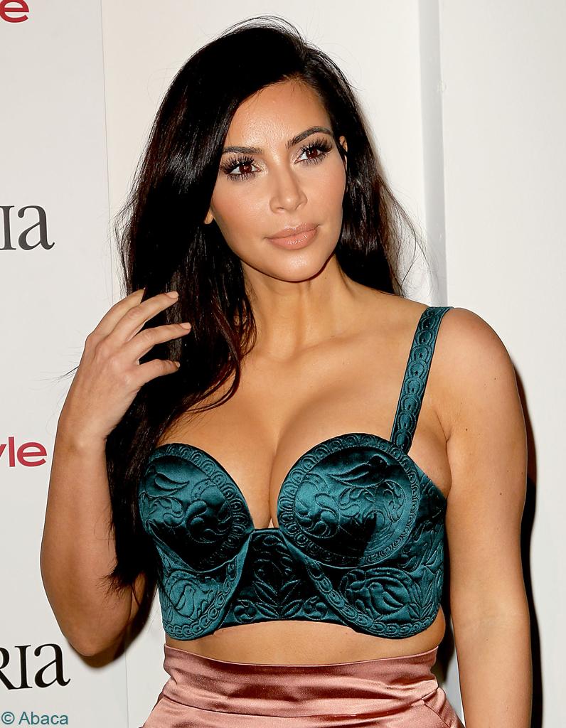 Un shampooing tous les 5 jours kim kardashian adepte du for Salle de bain kim kardashian