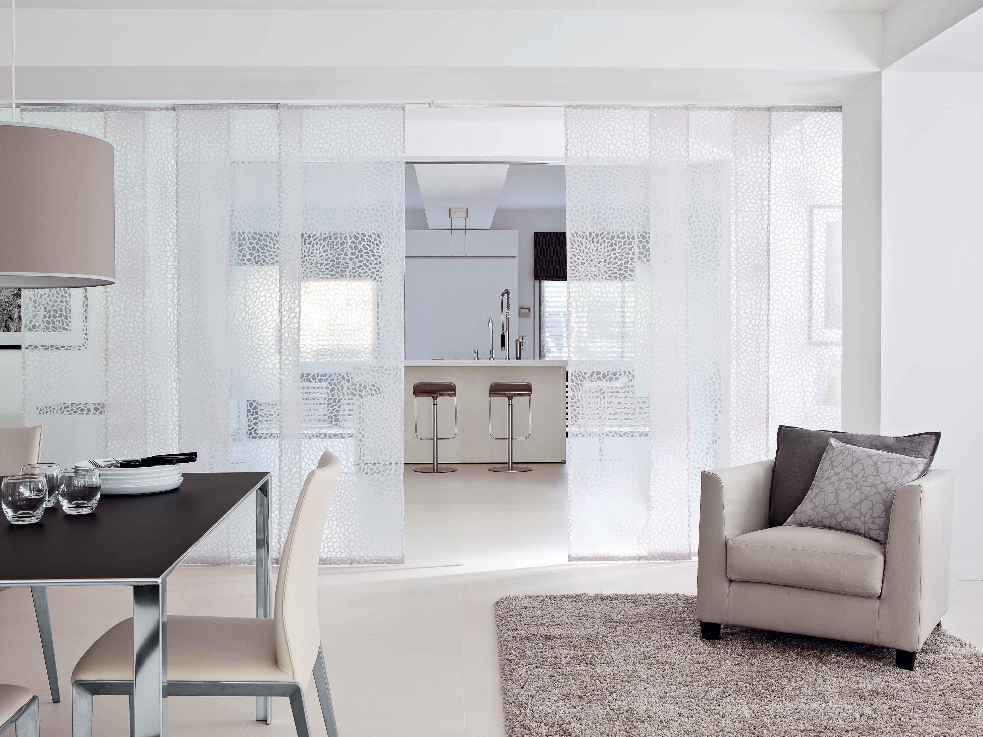 astuces d limiter une pi ce avec des panneaux japonais elle d coration. Black Bedroom Furniture Sets. Home Design Ideas