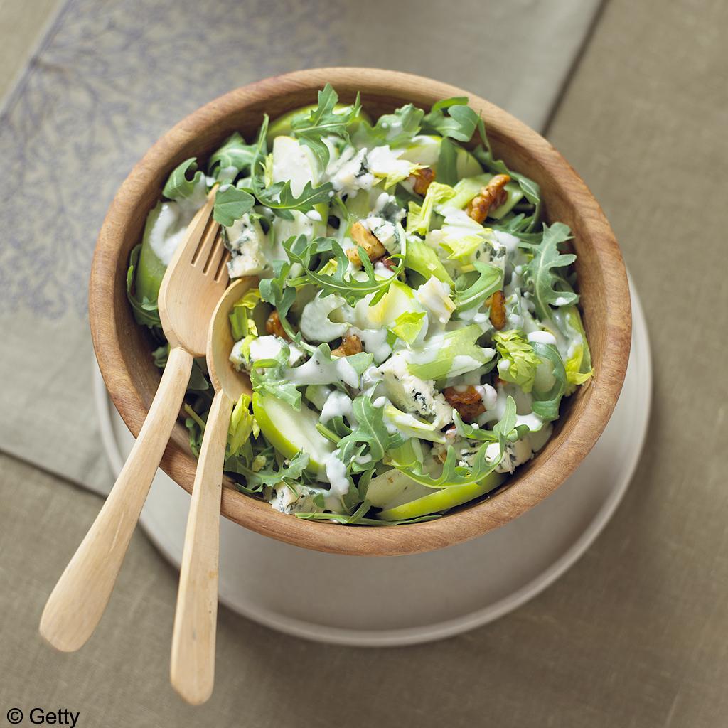 Salade de chou au céleri et à la pomme verte-getty