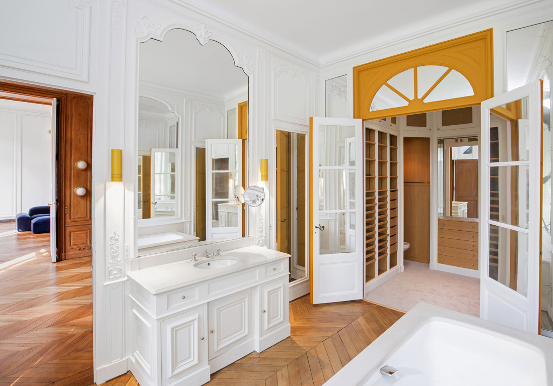 l appartement priv de coco chanel aux couleurs du design danois elle d coration. Black Bedroom Furniture Sets. Home Design Ideas
