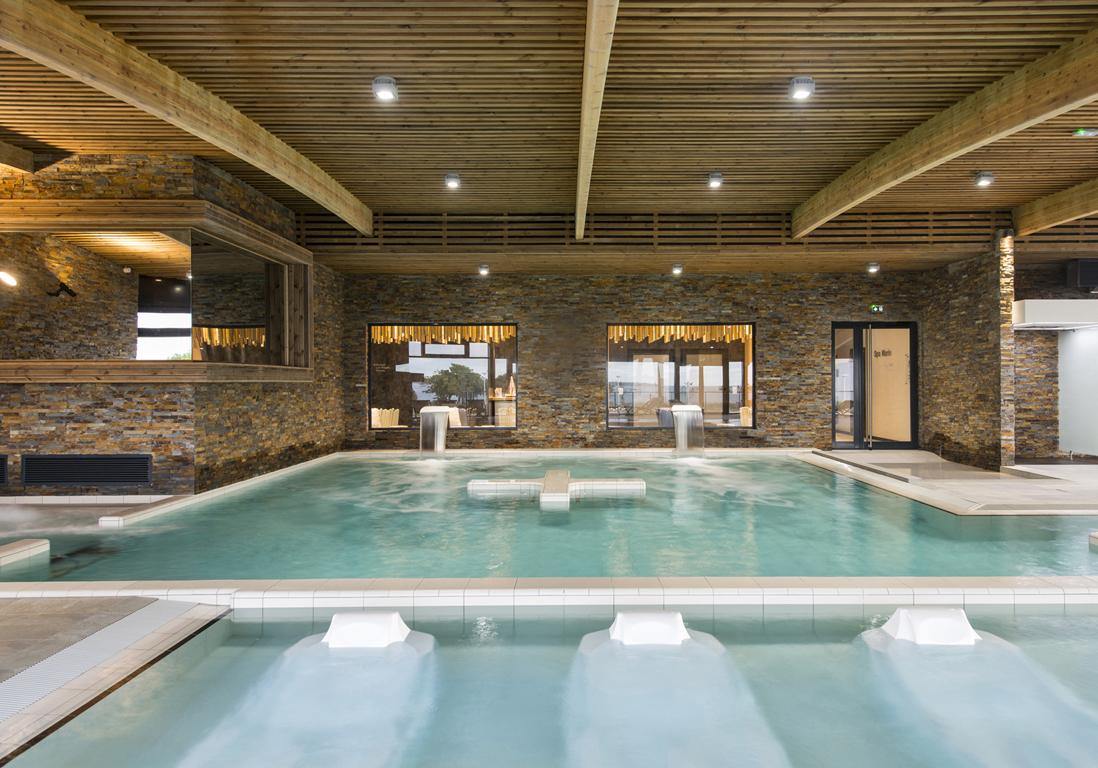 Thalasso concarneau notre avis sur la thalasso de for Thalasso quiberon piscine