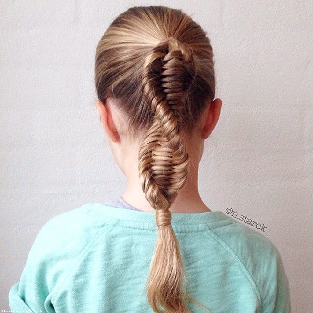 tresse adn cheveux blonds