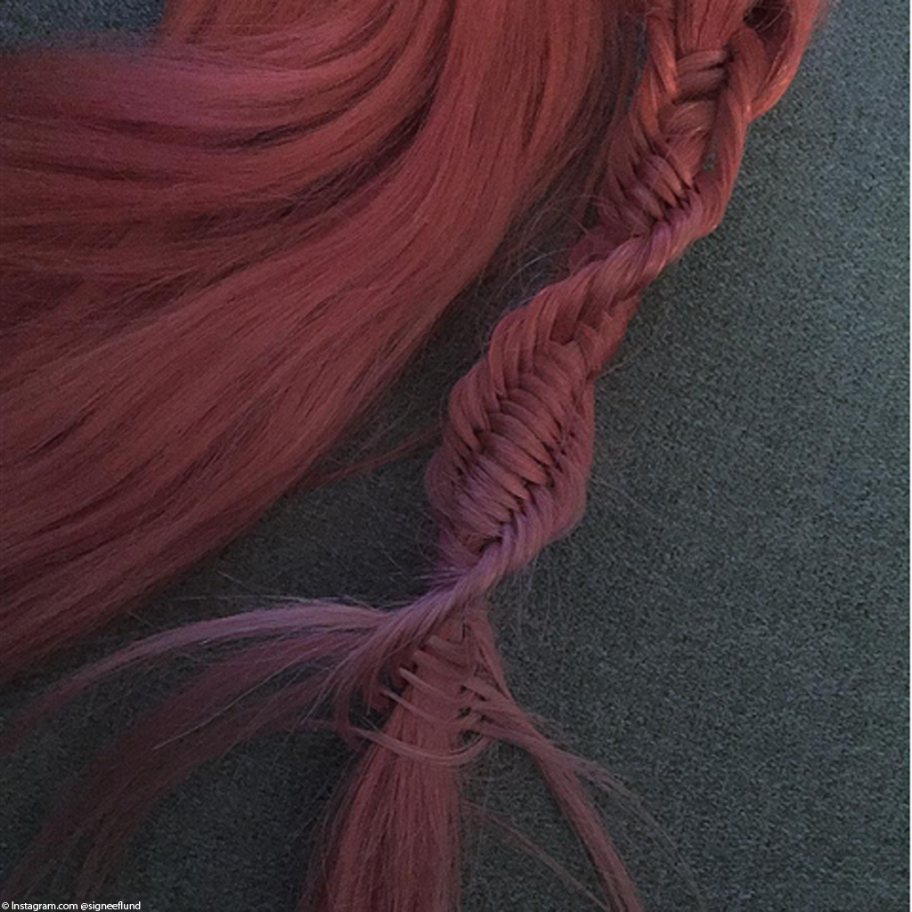 tresse adn cheveux rose.jpg