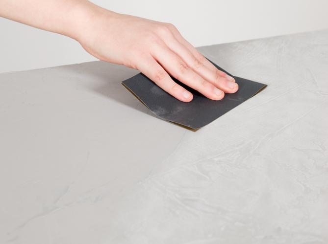 un aspect b ton cir pour ma table elle d coration. Black Bedroom Furniture Sets. Home Design Ideas