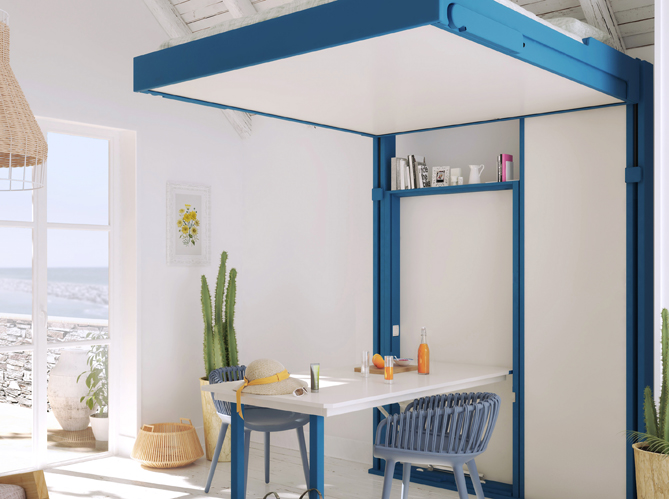 Une grande table dans un tout petit espace image