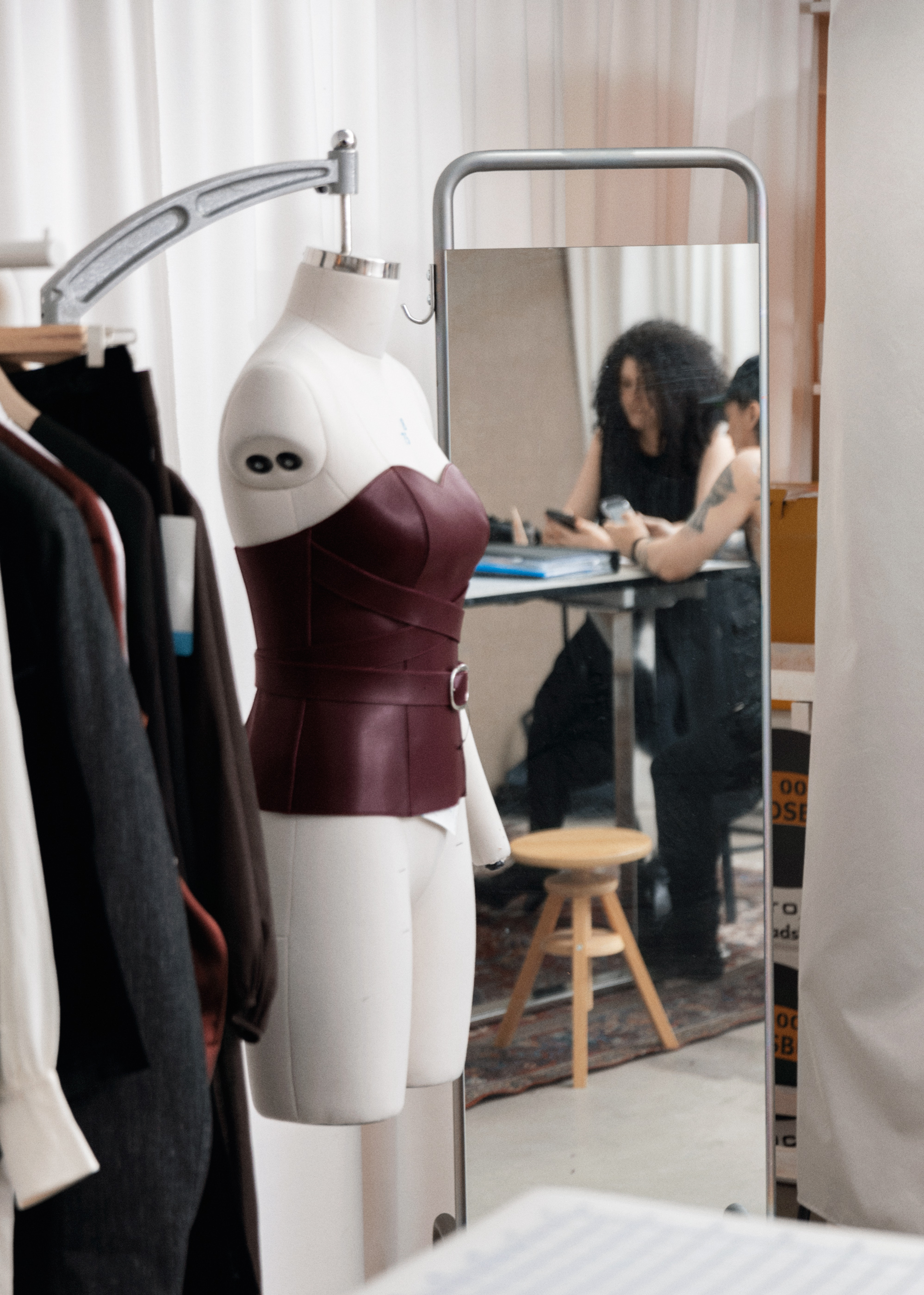 l instant mode other stories collabore avec zana bayne elle. Black Bedroom Furniture Sets. Home Design Ideas
