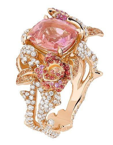 mode guide shopping bijoux joaillerie luxe dior bijoux nos coups de coeur elle. Black Bedroom Furniture Sets. Home Design Ideas