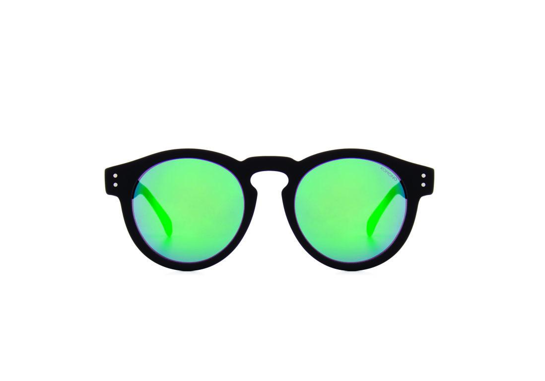 9110bc7dce8b1 Lunettes de soleil miroir vert Komono - 20 lunettes de soleil miroir pour  passer un été stylé - Elle