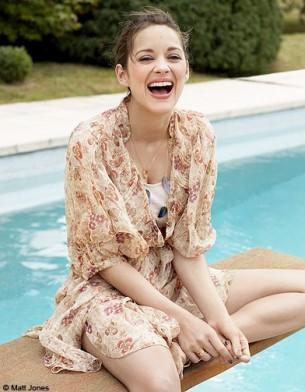 """Mode : Marion Cotillard, """"la joie de vivre"""" Mode serie marion cotillard vacances ete p76"""