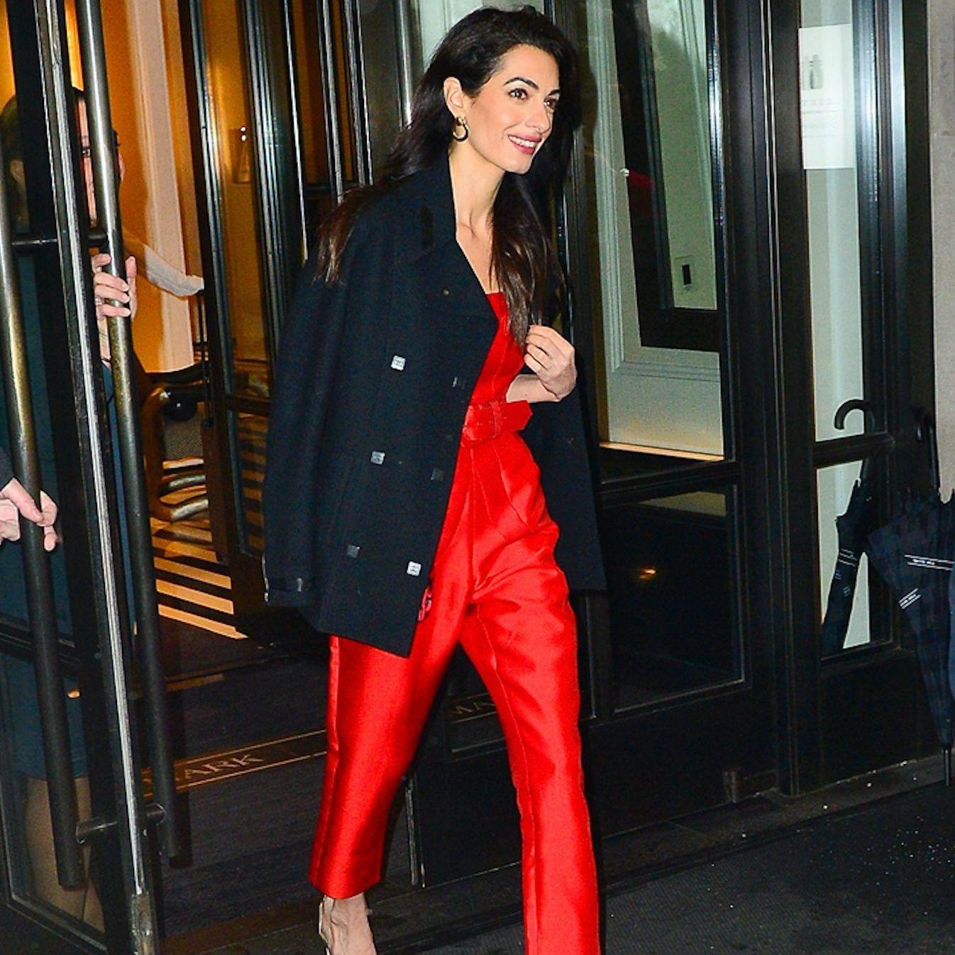Amal Clooney, Sublime En Combinaison Rouge à La Babyshower