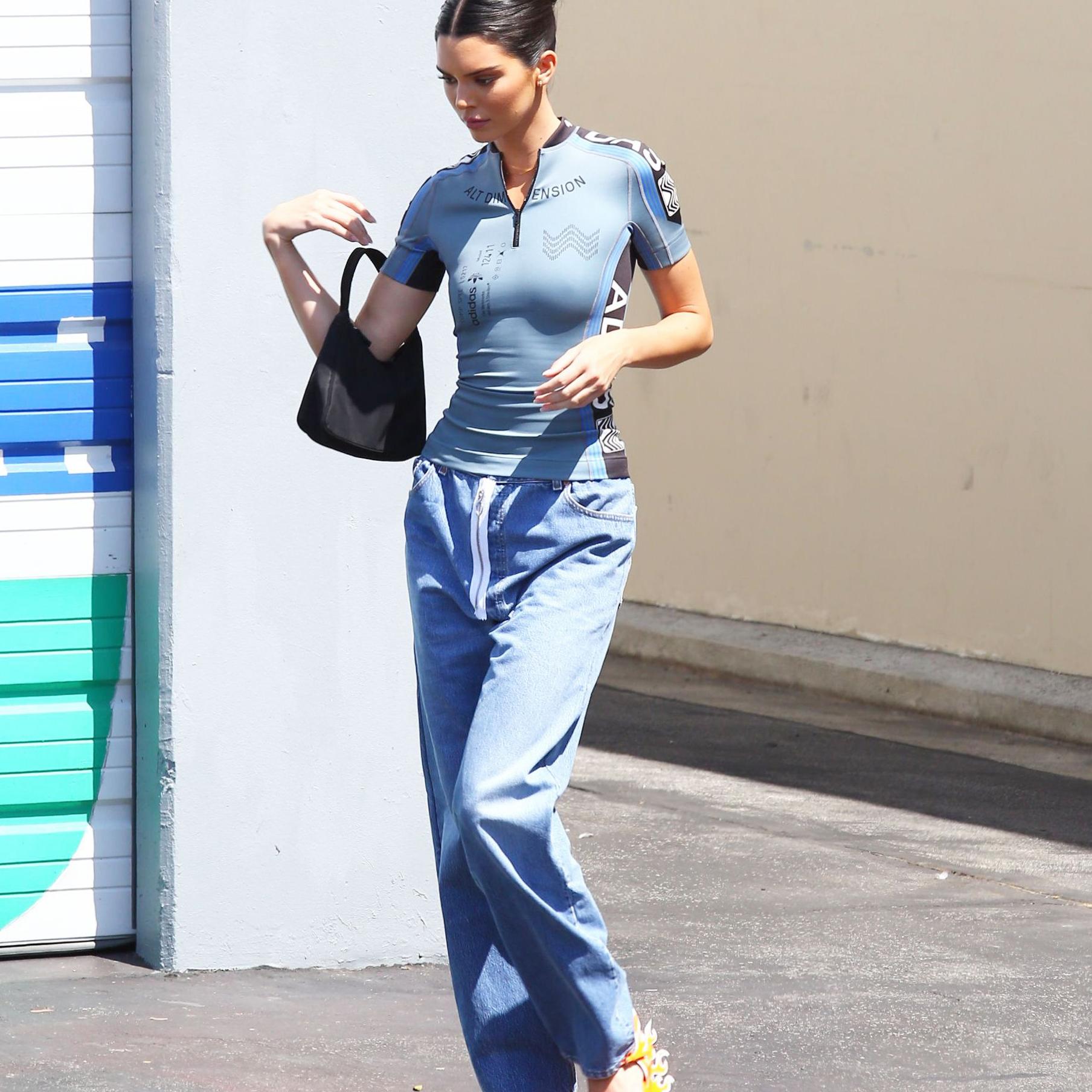 525c03258fa565 Kendall Jenner porte les chaussures les plus audacieuses du moment - Elle
