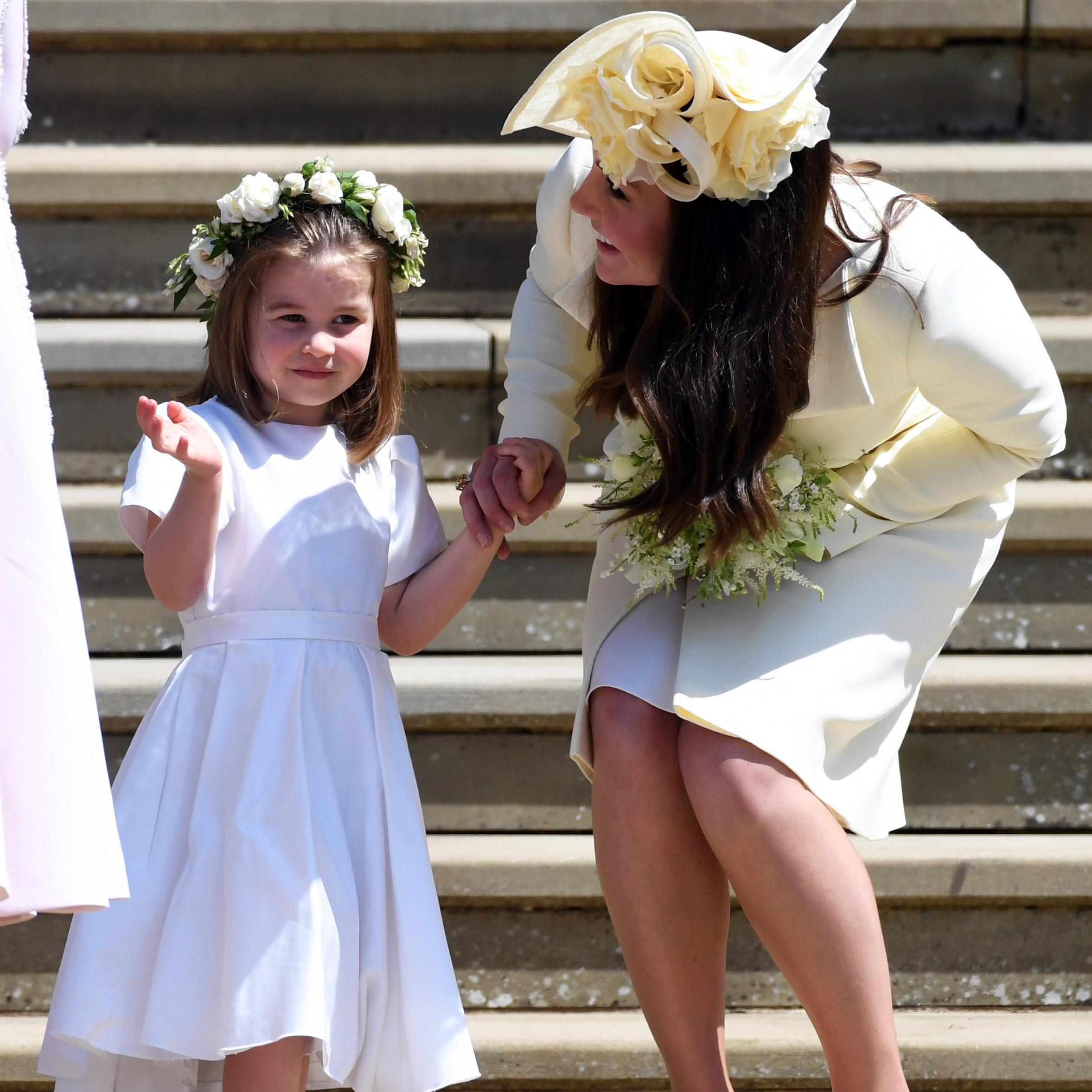 On sait pourquoi Kate Middleton portait un diamant jaune au royal wedding -  Elle 42f26219c1b
