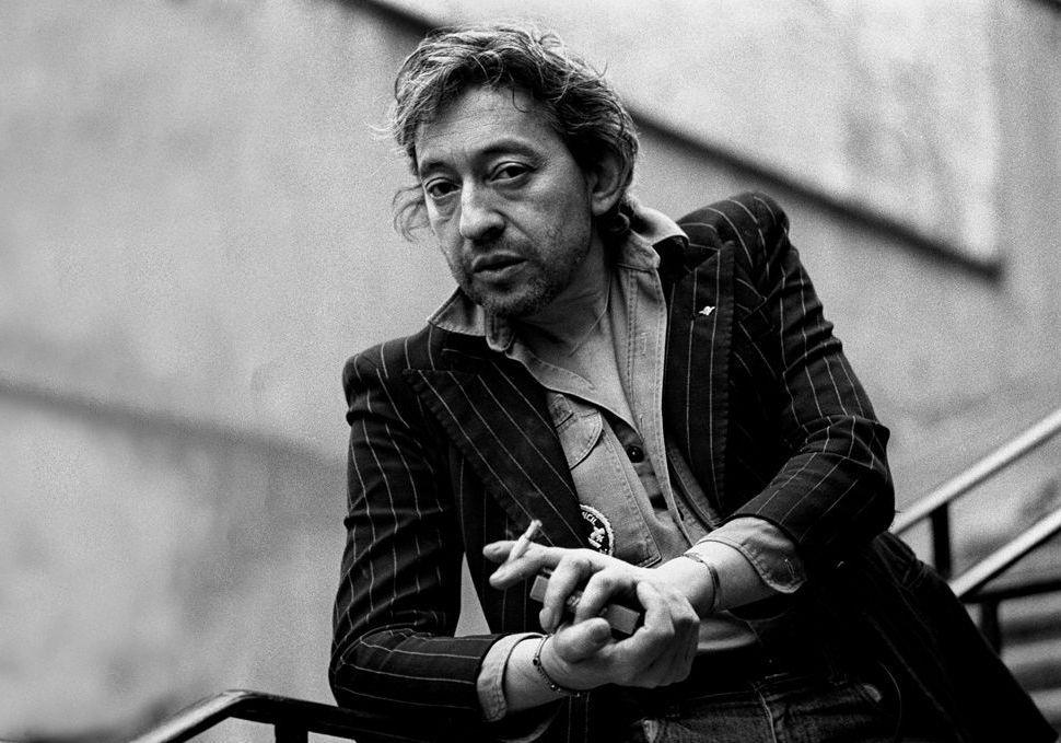 Serge Gainsbourg : son évolution en 25 looks - Elle