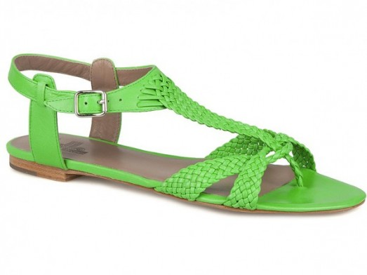 Mode guide shoping tendance look fluo sandales belle