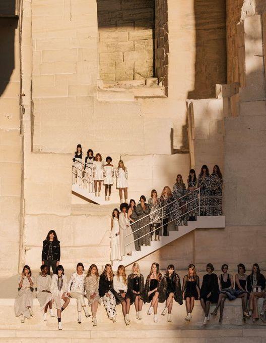Défilé Chanel Croisière 2021 - Paris - Elle