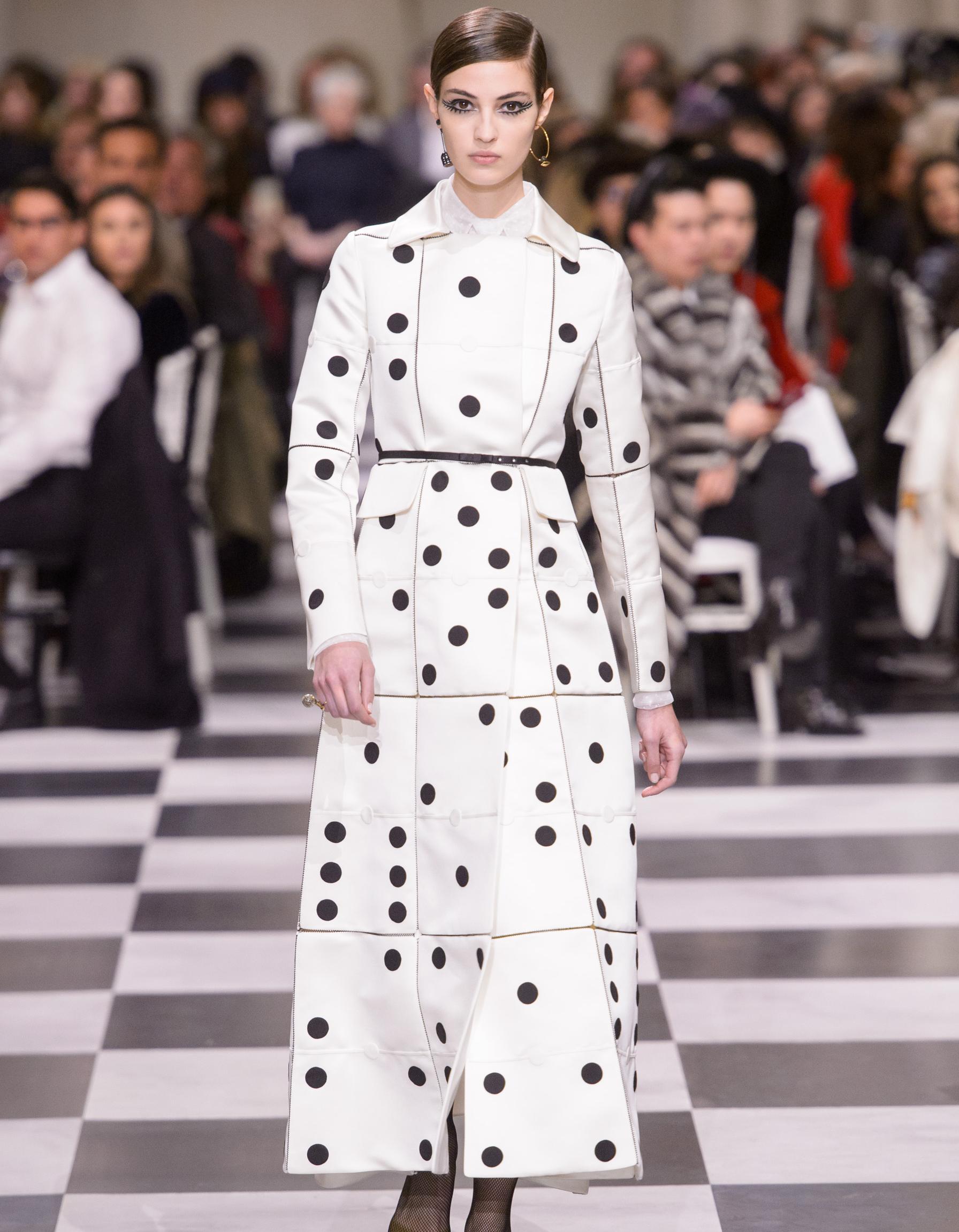 2349776fa42 Défilé Christian Dior Haute Couture Printemps-Été 2018 - Paris - Elle