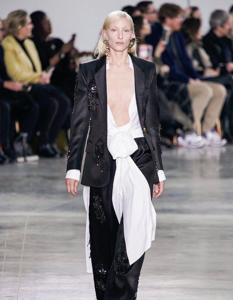 Défilé Schiaparelli Haute Couture Printemps-été 2020 - Paris - Elle