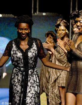 http://cdn-elle.ladmedia.fr/var/plain_site/storage/images/mode/les-news-mode/autres-news/black-fashion-week-la-mode-noire-celebree-a-paris-2219218/23243058-1-fre-FR/Black-Fashion-Week-la-mode-noire-celebree-a-Paris_mode_une.jpg