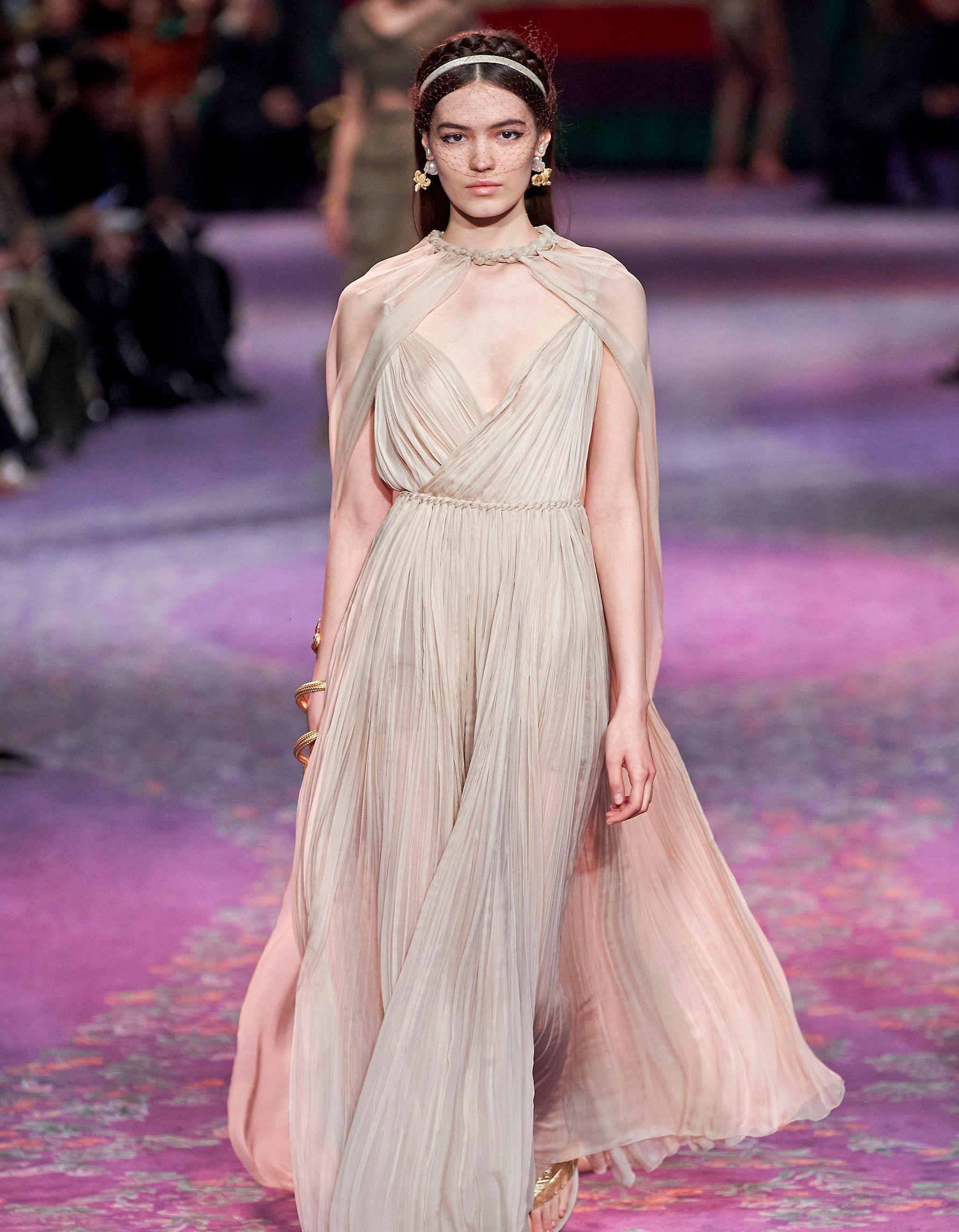 Fashion Week : suivez en direct le défilé Dior - Elle