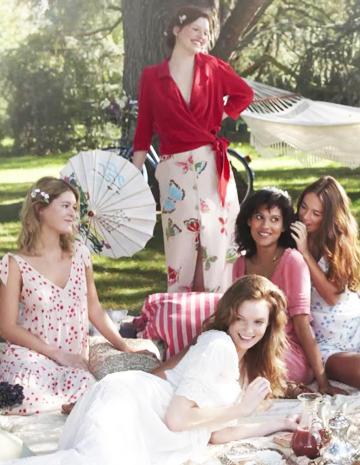 Vidéo   Lolita Lempicka nous dévoile sa collection pour Ekyog - Elle 40650c1a7ba