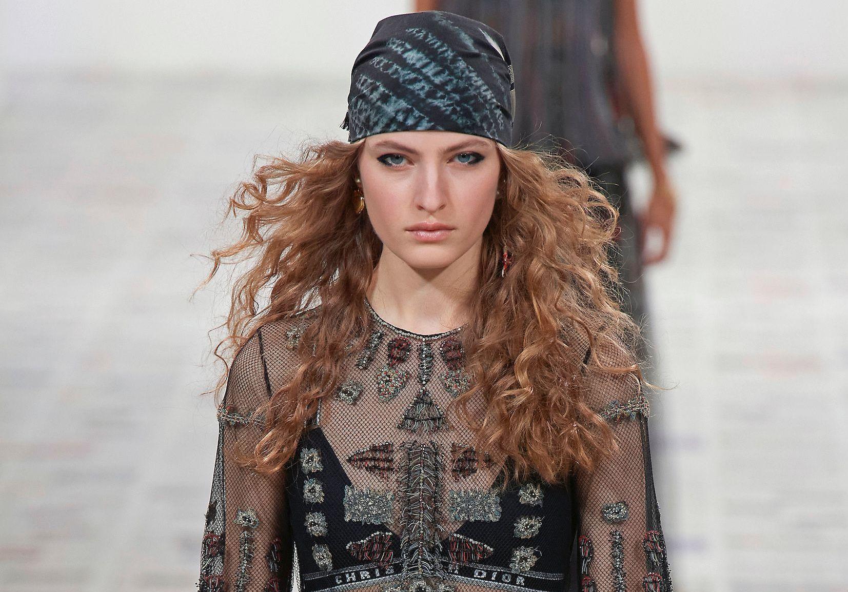 #ELLEsinfiltre…en backstage du défilé Christian Dior automne-hiver 2020-2021 - Elle