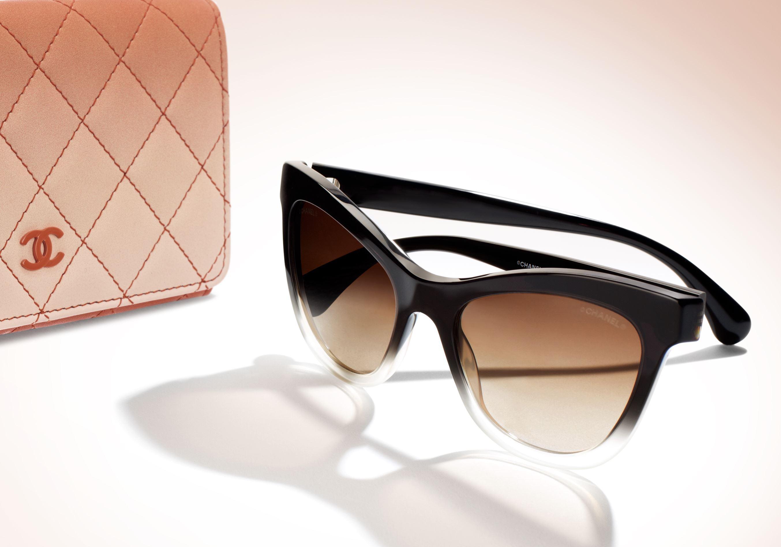 L instant mode   les lunettes Plein Soleil de Chanel - Elle 86ce59872e64