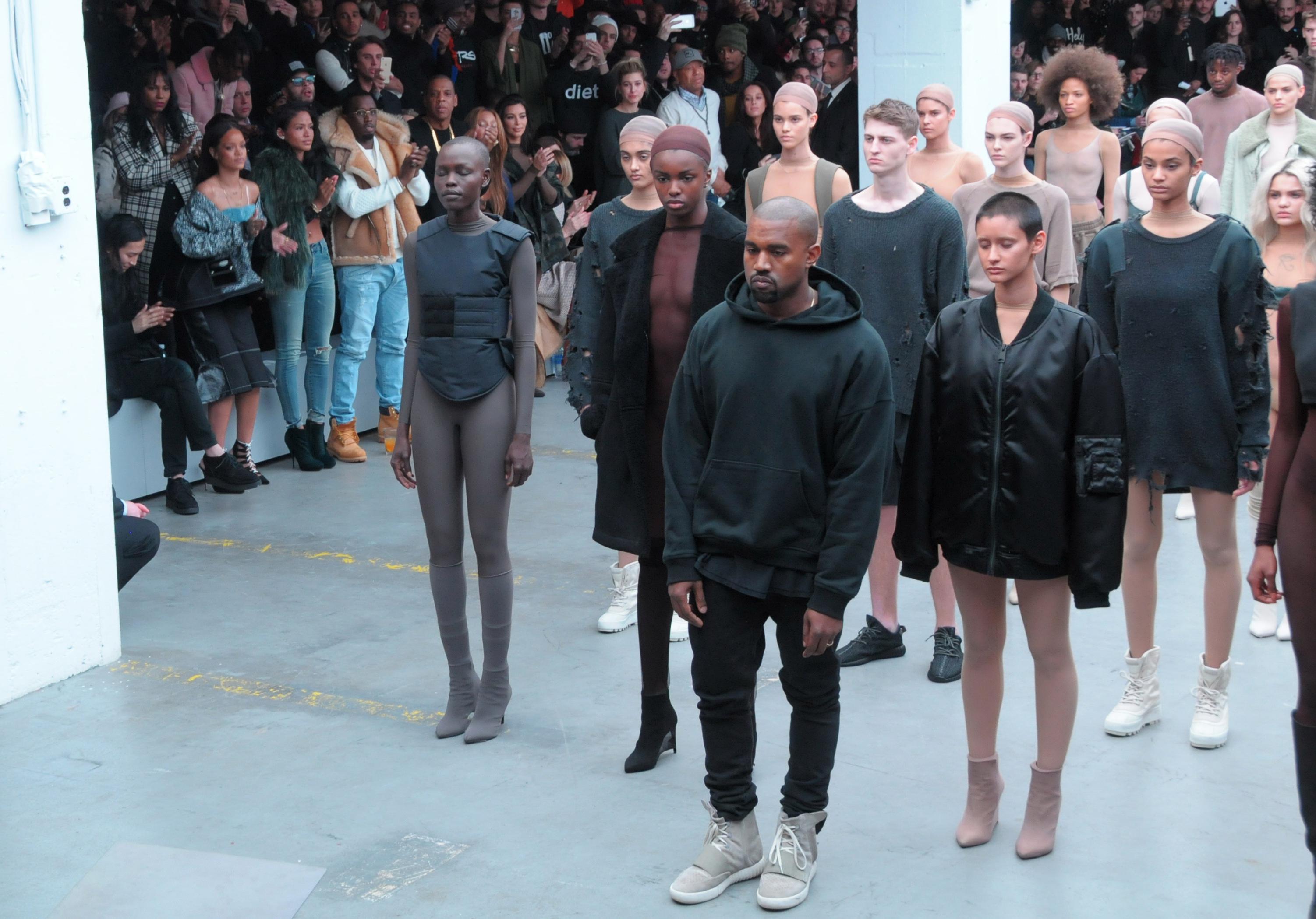 Adidas Elle Kanye La Collection De West En Rupture Pour Stock cKJ1TlF3