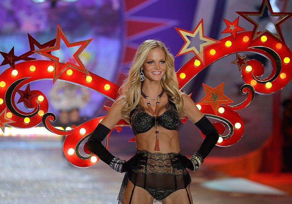 Victoria's Secret : les nouveaux témoignages accablants d'Erin Heatherton et Selita Ebanks