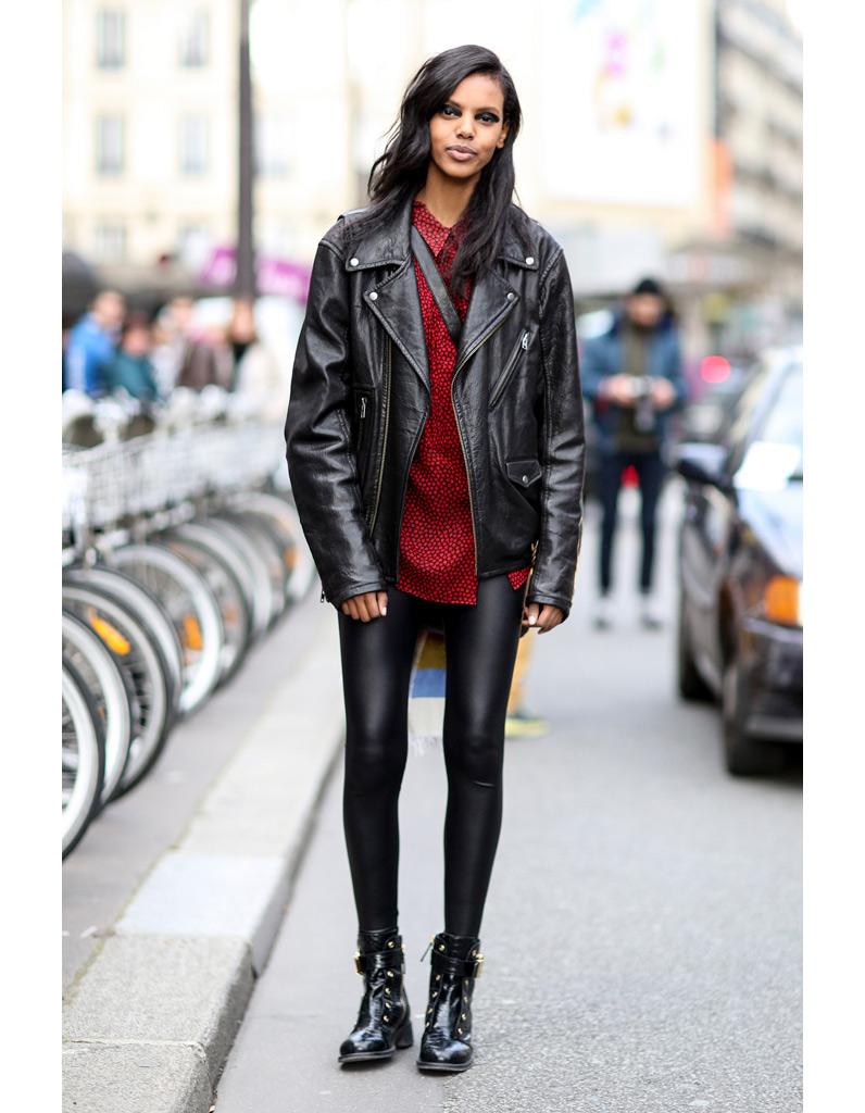 Avec un legging rock - 15 façons de porter la veste en cuir - Elle 9805d34fed73