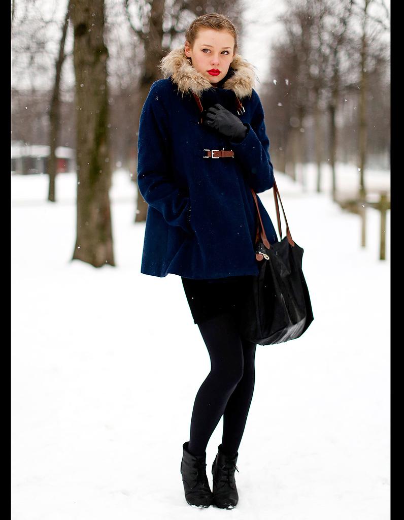 1ea5de9aa05a9 Street style : comment être chic sous la neige ? Manteau avec ...