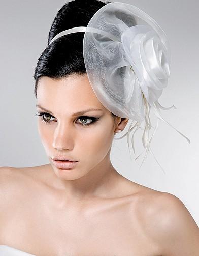 pronuptia mariage accessoires pour les cheveux elle. Black Bedroom Furniture Sets. Home Design Ideas