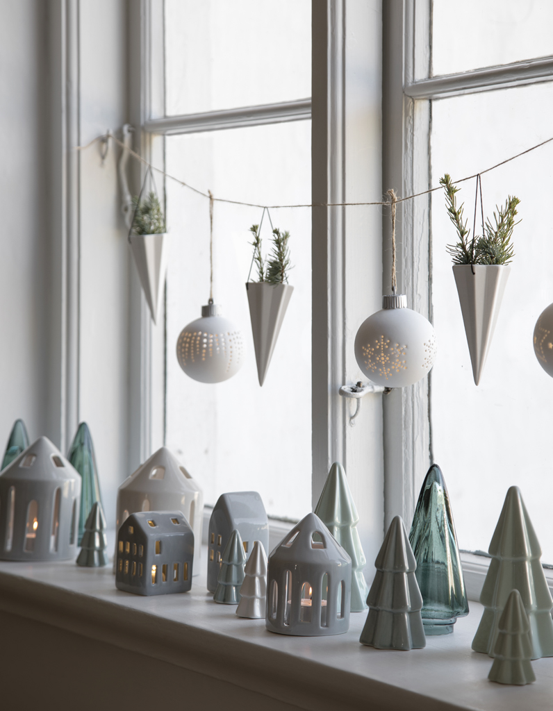 Deco De Noel Lumineuse Pour Fenetre noël : on décore la maison avec de la petite déco posée sur