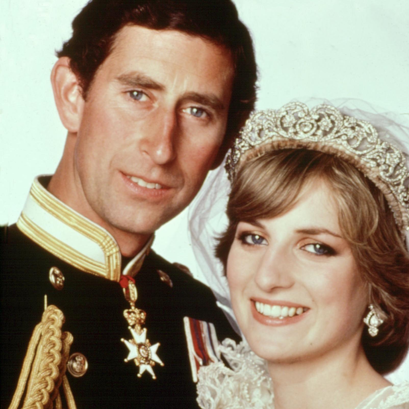 Avez Vous Remarque Le Complexe De Taille Du Prince Charles Envers Lady Di Elle