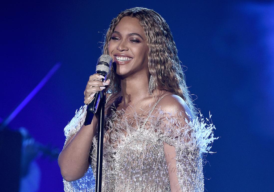 Beyoncé dévoile de nouveaux clichés rares de ses jumeaux ...