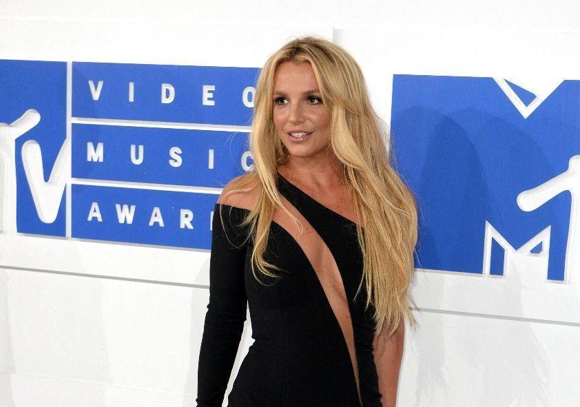 """Britney Spears """"en cage"""" : le témoignage choc de sa tante"""